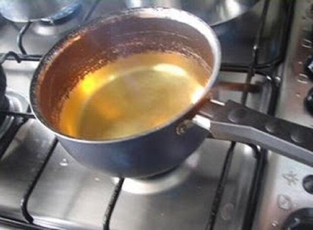 """Marido ataca óleo quente em esposa e ainda a chama de """"piranha"""""""