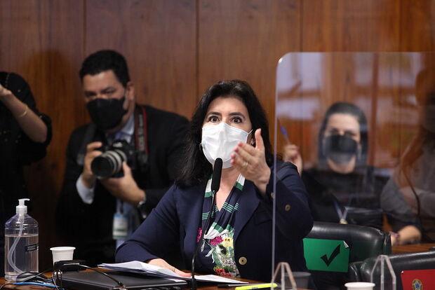 Simone vê crime de responsabilidade que pode cassar Jair Bolsonaro