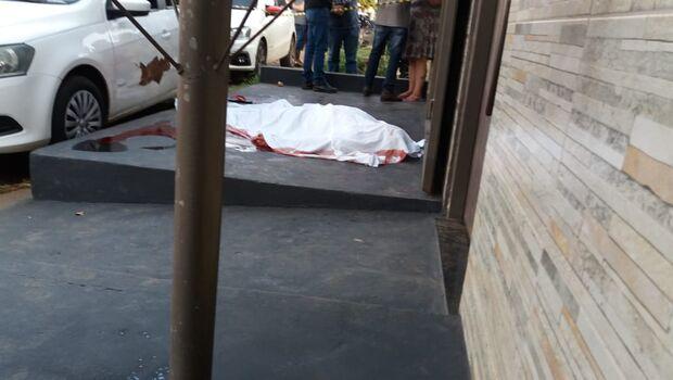 Homem é morto com facada no pescoço no Mário Covas