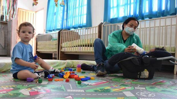 Emeis volta a atender crianças dos grupos 1,2 e 3 sem escalonamento