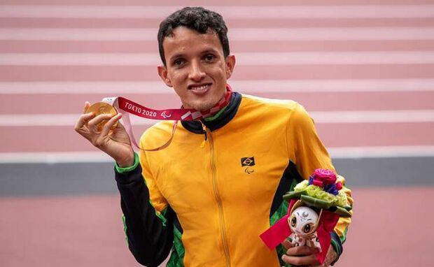 Bicampeão paralímpico, Yeltsin Jacques será recebido com carreata em Campo Grande