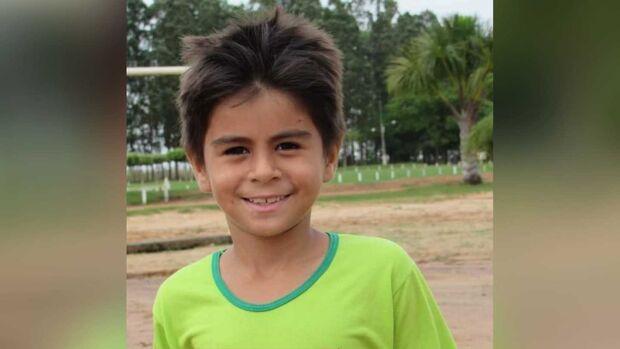 Criança cai de carreta e morre atropelada em Sonora