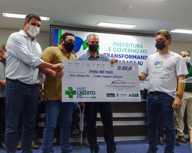 Riedel anuncia investimentos em ciência e libera créditos a microempresários de Maracaju