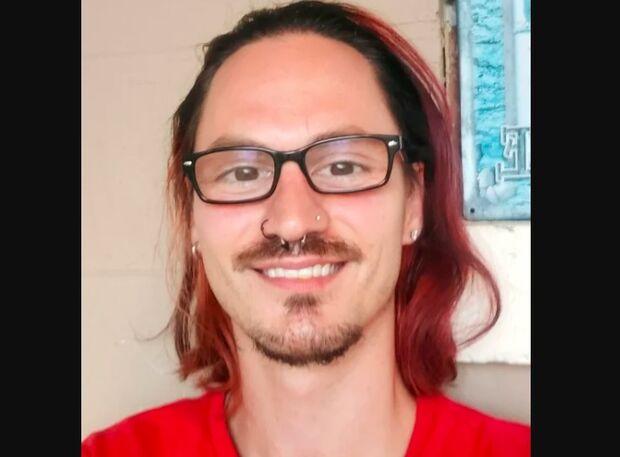 Homem bêbado bate o carro e perde pênis e um testículo