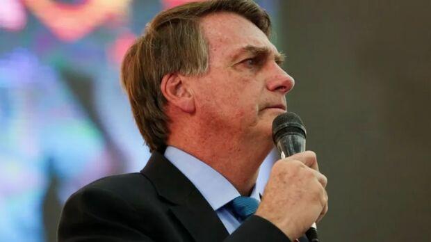 Bolsonaro diz ser inviável congelar preço do combustível na canetada