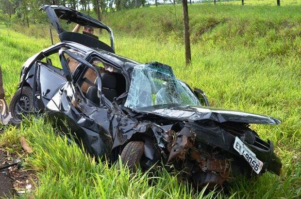 Condutor perde controle e veículo capota na rodovia MS-276 em Amandina