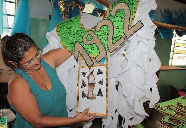 Unidos do Aerorancho trabalha para permanecer no grupo especial em 2014