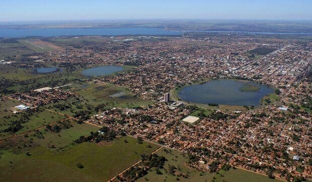 Casa abandonada que abriga usuários de drogas é incendiada em Três Lagoas