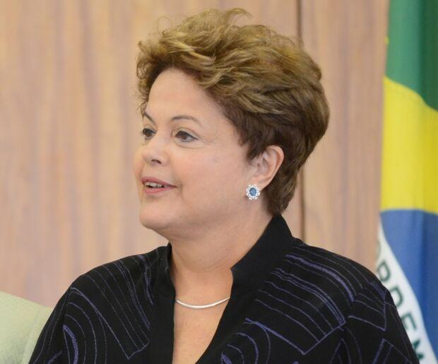 Dilma diminui peso do PMDB e diz que aliança não é só de dois partidos
