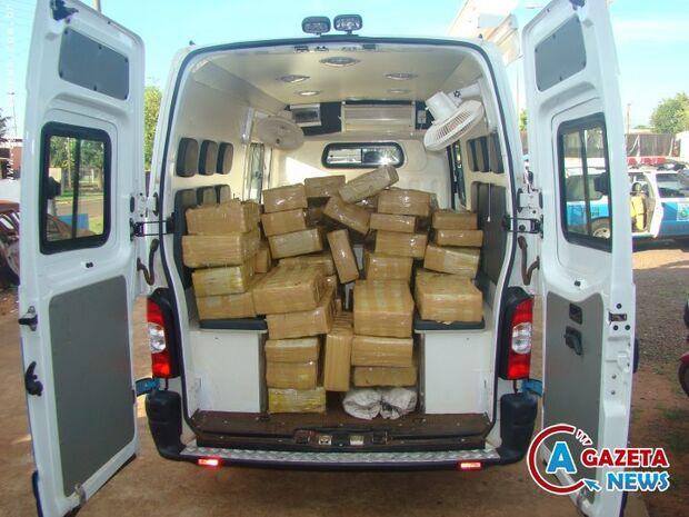 Policiais apreendem 2,3 mil quilos de maconha na carroceria de F-4000 em Coronel Sapucaia