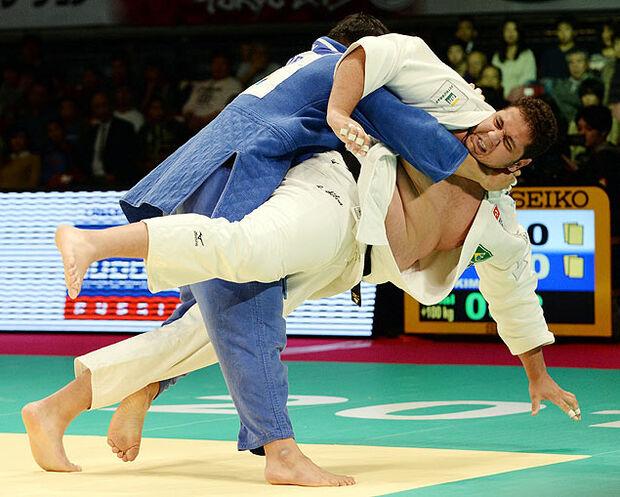 Judoca brasileiro Rafael Silva fica com a prata no Grand Slam de Tóquio