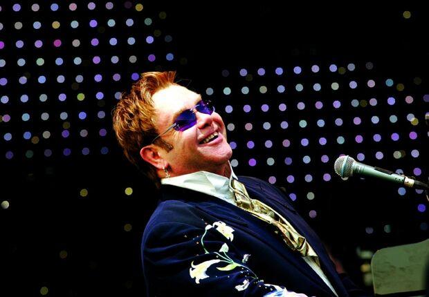 Elton John fará 4 shows no Brasil em fevereiro