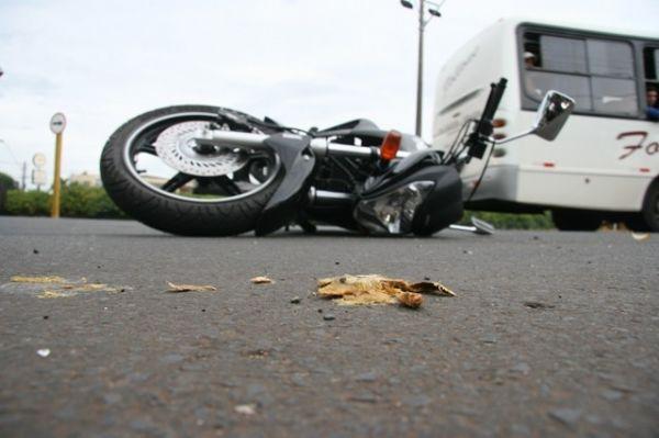 Homem morre ao perder controle de moto na Capital
