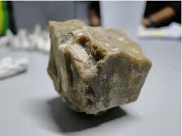 Carreta de Dourados é apreendida com mais de 200kg de pasta base