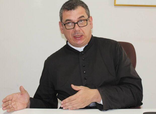 """""""Reviver memória de entes queridos é um ato de fé"""", diz Padre Tenório"""