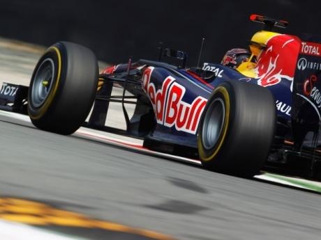Webber rouba pole de Vettel em Abu Dhabi; Massa larga em 10º