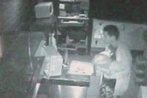Em Brasília, ladrão invade lanchonete, não encontra dinheiro e rouba frango e linguiça