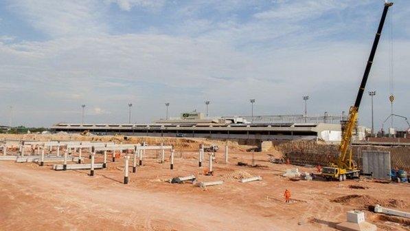 Para ministro, culpa nos atrasos das obras de aeroportos para Copa é dos engenheiros