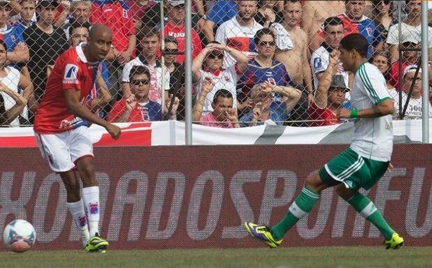 Palmeiras sofre para empatar com Paraná