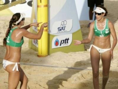 Brasileiras do vôlei de praia caem nas semifinais e duelam entre si pelo bronze na Tailândia