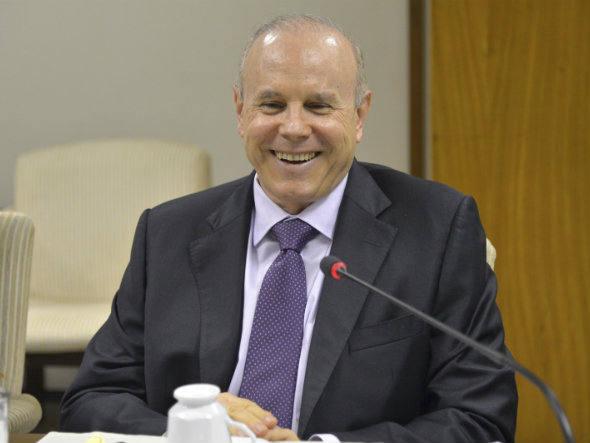 Governo antecipa anúncio de superávit em 2013 e diz que será de R$ 75 bilhões