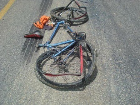 Idosa morre após ter bicicleta atingida por moto
