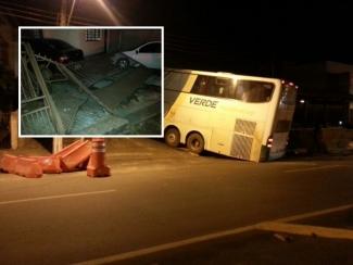Cabo de guincho arrebenta, ônibus desce ladeira e invade casa