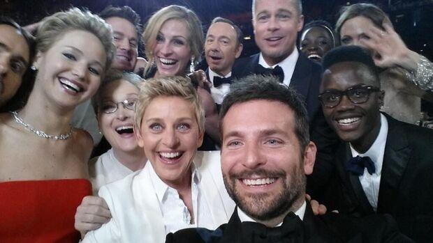 Selfie na noite do Oscar vira o tweet com mais RTs da História