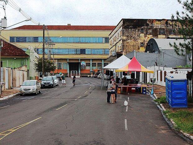 Como era previsto, chuva forte pode prejudicar carnaval na Capital