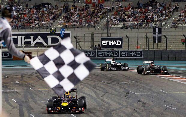 Vettel leva 7ª seguida e iguala marca de Schumacher