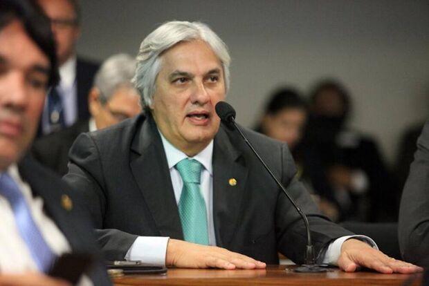 Em reunião secreta entre os vereadores e Delcídio, o candidato do PT ao governo de MS pede apoio que