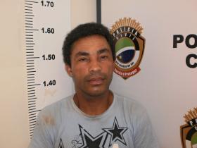 Ao cumprir mandado, polícia prende traficante