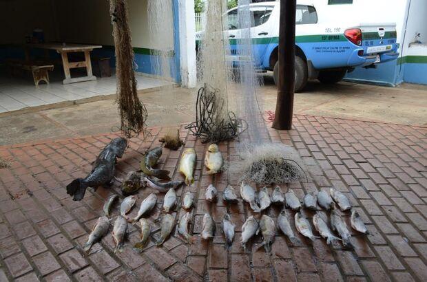 PMA prende homem por pescar em piracema com redes e com 50 kg de pescadoa