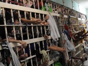 Brasil não tem capacidade para lidar com a questão carcerária, diz especialista