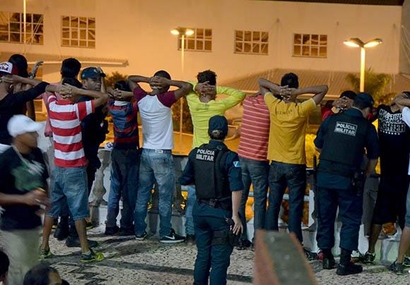 Ação policial apreende jovens e menores de idade em Corumbá