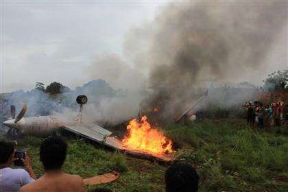 Acidente com avião boliviano provoca oito mortes