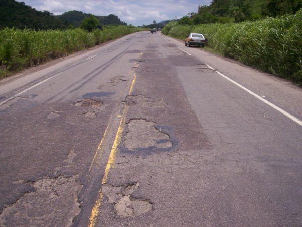 Pesquisa revela que quase 70% das rodovias de MS estão em condições regulares ou péssimas