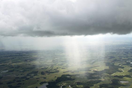 Defesa Civil alerta para riscos de chuvas fortes hoje