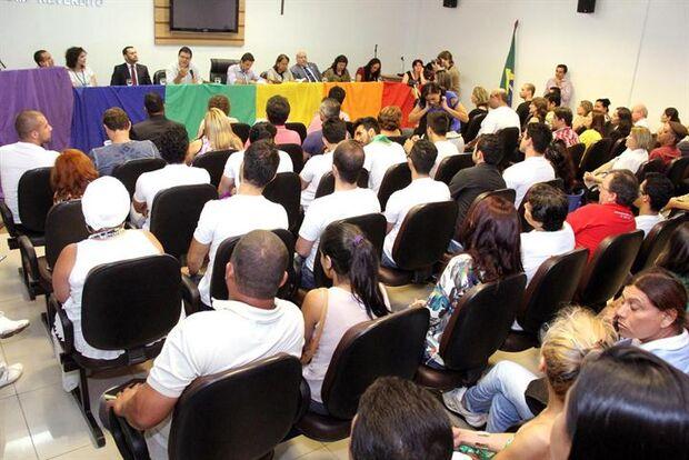 Comissão da OAB/MS participa de debates em defesa da população LGBT