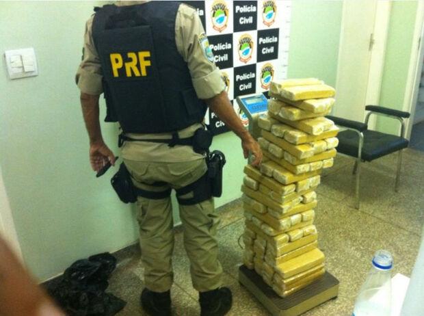 PRF apreende 50 quilos de maconha na BR-060