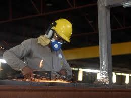 Faturamento real da indústria sobe 3,8% em 2013, aponta CNI