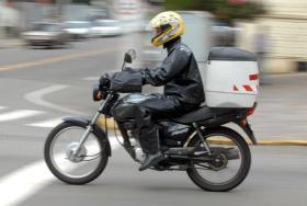 Uso obrigatório de colete por motoqueiro é aprovado