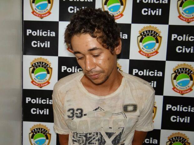 Homem é preso após roubar cadeira em Dourados