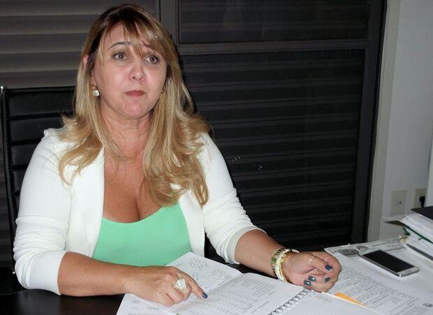 Delegada inicia investigações para desvendar o caso de jovem espancada pelo namorado