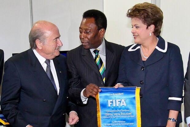 Após crítica, Blatter diz que torneio será sucesso
