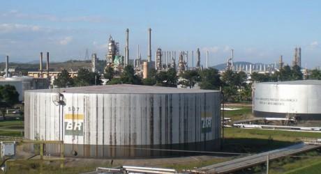 Excesso de produção aumentam casos de acidentes em refinarias brasileiras