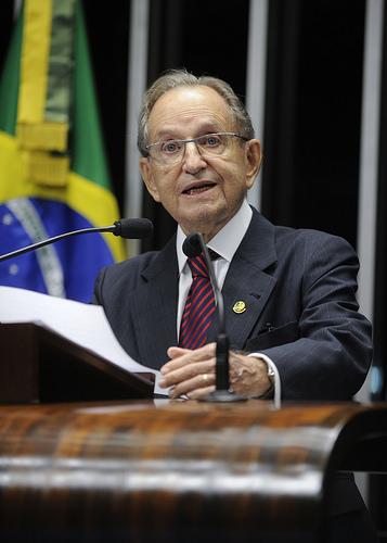 Senador Figueiró cobra andamento das negociações para terras da Buriti