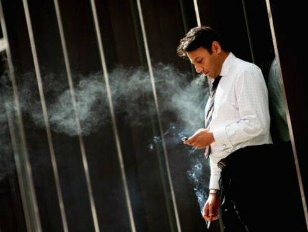 Pausas para o cigarro causam prejuízo bilionário às empresas