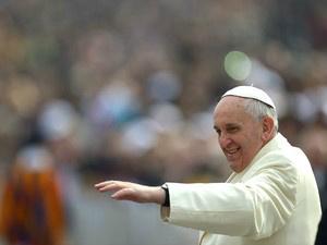 Papa revela que carrega sempre a cruz que 'roubou' de um sacerdote