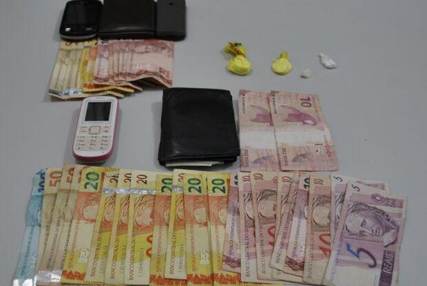 Taxistas são presos por tráfico de drogas em Dourados